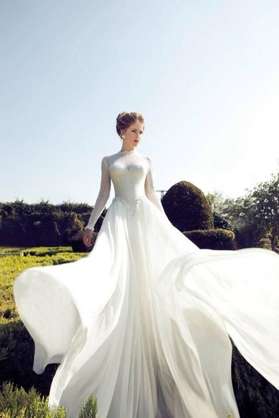 Dress classic white classic wedding dress flowy dress for Flowy wedding dress with sleeves