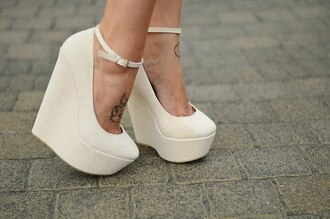 shoes clothes wedges high heels white white wedges bag wedge girl summer outfits classy pumps