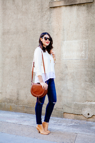 kendi everyday blogger white top shoulder bag