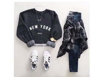 sweater shirt croped swater black new york city blouse grey cool new york girl long sleeves grey sweater necklace skinny jeans white sneakers adidas watch plaid new york sweater
