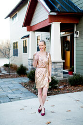 kelly in the city - a preppy chicago life,style and fashion blog,blogger,dress,jewels,make-up,gold dress,sequin dress,sparkly dress,wrap dress
