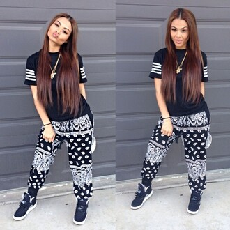 t-shirt jogs joggers pants india westbrooks top shirt tumblr instagram black and white sweatpants bandana print bandana baggy