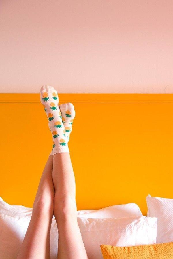 socks pineapple pinneapple white