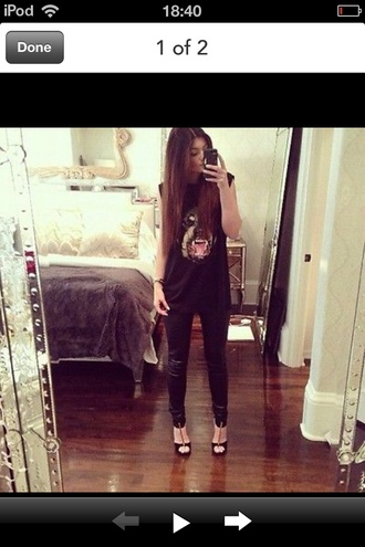 tank top printed t-shirt black leather pants high heels black high heels kylie jenner shoes