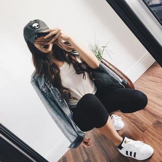 jacket tumblr blue jacket denim jacket t-shirt white t-shirt leggings black leggings cap sporty sneakers low top sneakers white sneakers adidas adidas shoes adidas superstars