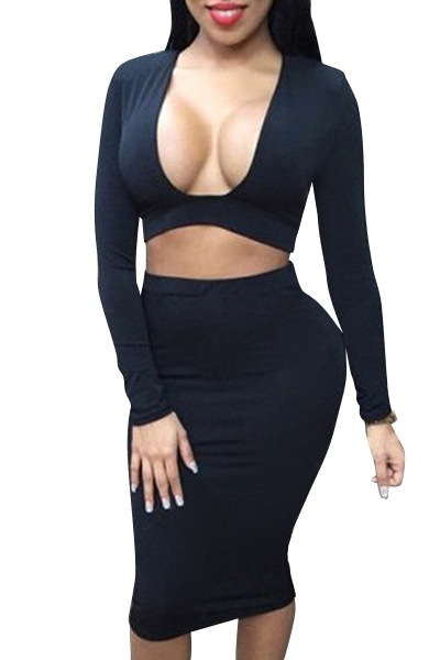 long sleeve crop top and pencil skirt suit
