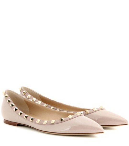 Valentino Rockstud Patent Leather Ballerinas in pink