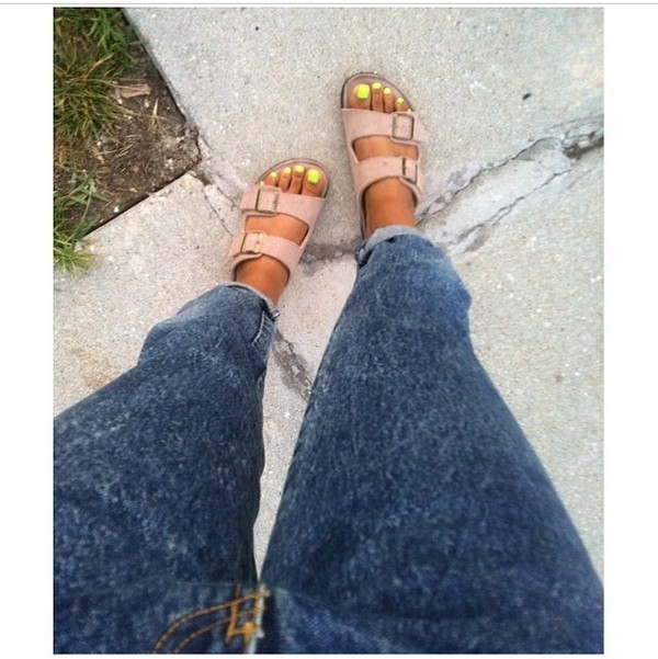 style sandals open toes