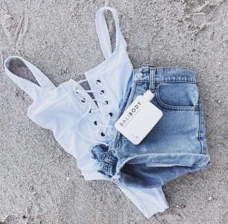 swimwear grunge summer jeans short blue black fashion toast grunge t-shirt summer outfits white white top lace lace top sexy lingerie shorts black crop top top body girl shirt bodysuit