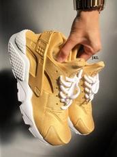 shoes,gold huarache,nike huarache gold,gold,gold huaraches,huarache,gold nike,nike air huaraches,womens nike,nike,gold sneakers,low top sneakers