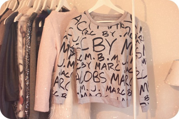 sweater shirt t-shirt pink pretty marc jacobs grey t-shirt weheartit