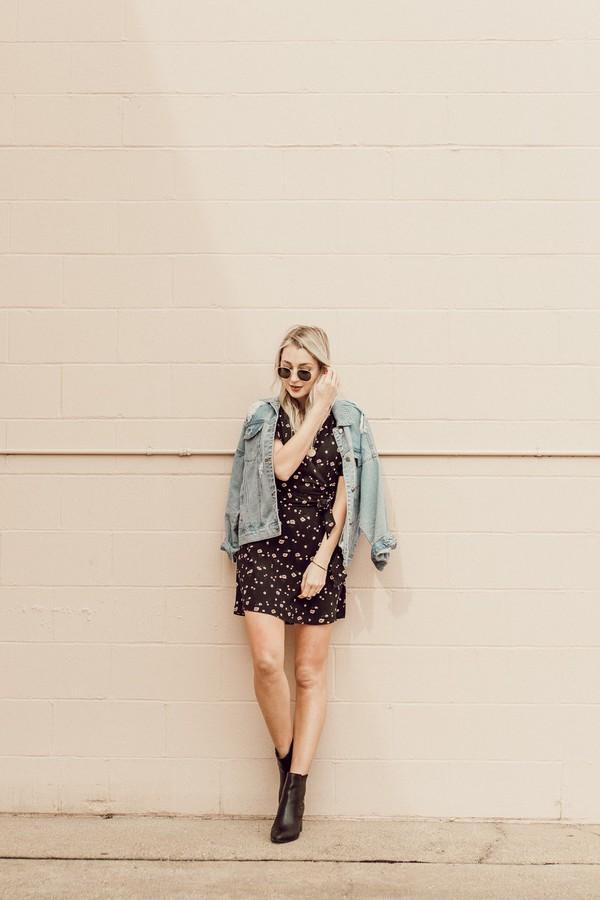 love lenore blogger dress jacket shoes sunglasses jewels denim jacket black dress ankle boots spring outfits