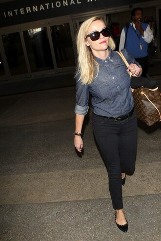 jeans reese witherspoon fall outfits flats sunglasses red lime sunday