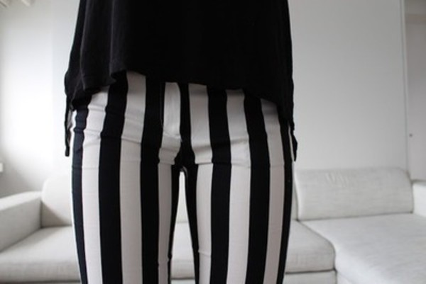 pants black and white jeans stripes high waisted high waisted pants skinny white black black jeans striped leggings striped pants