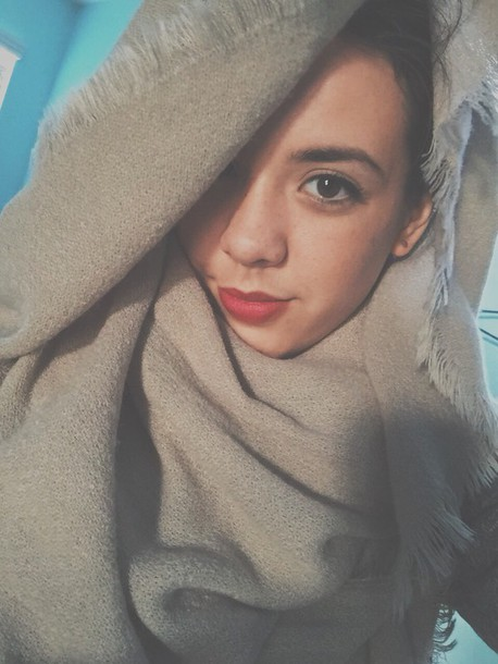 scarf beige infinity scarf shawl collar classy style tumblr outfit tumblr tumblr girl tumblr clothes winter sweater hair accessory