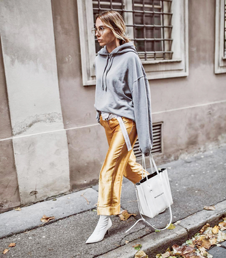 top tumblr hoodie grey hoodie bag white bag pants gold pants boots white boots