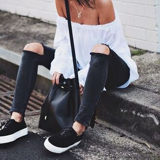 shoes cold shoulder superga black sneakers sneakers jeans black jeans ripped jeans top white top off the shoulder top off the shoulder bucket bag black bag bag cold shoulder top necklace black shoulder bag shoulder bag summer outfits
