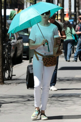 jeans top white jeans anne hathaway t-shirt