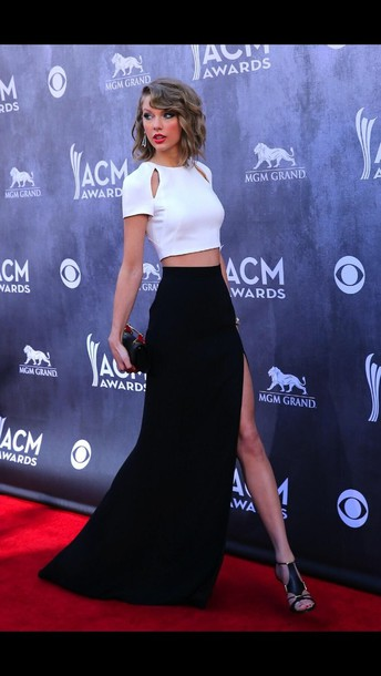 skirt white top black monochrome taylor swift shoes