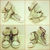 shoes,hi tops,tuds,cream,brown,daps,trainers