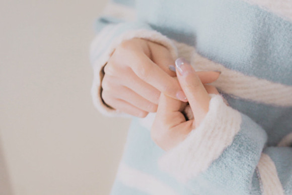 sweater blue sweater kawaii light blue nails nail polish nail art sweater weather white sweater stripes striped sweater