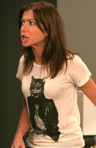 white how i met your mother cats animal t-shirt graphic tee alyson hannigan lily aldrin celebrity cute black and white brown hair cozy style fashion shirt