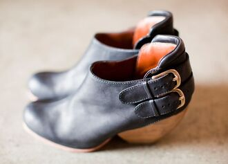 leather boots clogs