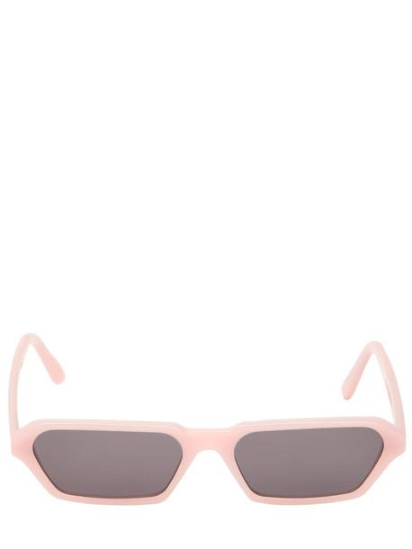 ILLESTEVA Baxster Sunglasses in pink