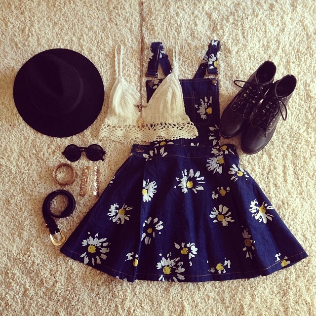 Daisy floral print denim dress in navy blue
