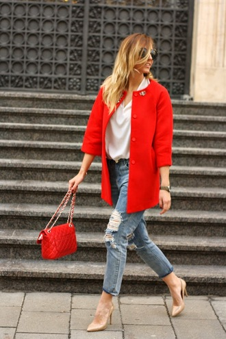let's talk about fashion ! blogger jeans red bag red coat nude high heels