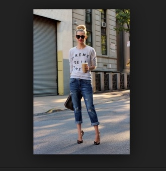 jeans summer outfits t-shirt shirt top boyfriend jeans sunglasses clothes clutch bag high heels starbucks coffee cute outfits girly fashion tumblr tumblr girl clogs sweater