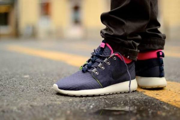 shoes nike sneakerboot women dark blue pink nike roshe run