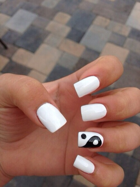 nail polish white black