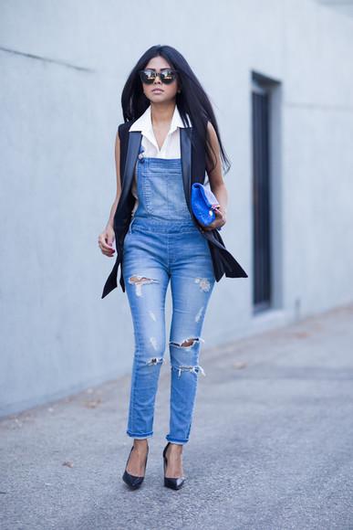 walk in wonderland blogger bag jewels sunglasses jacket