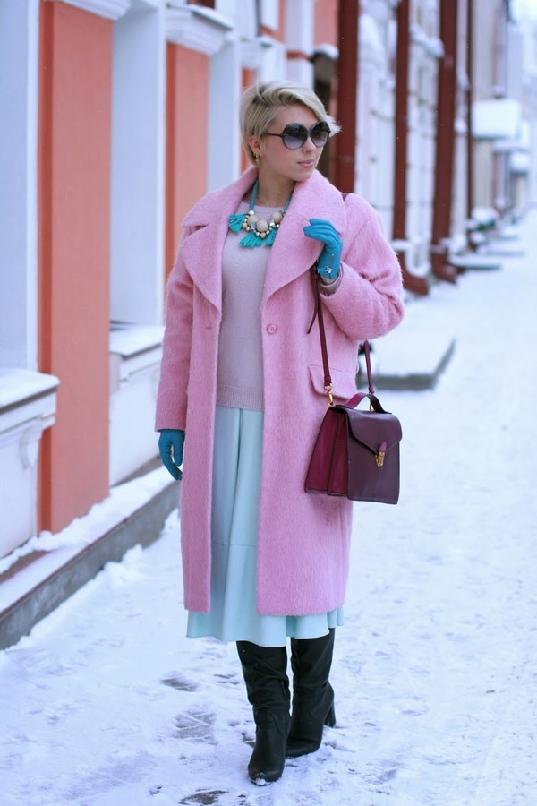 apple and the city coat skirt sweater bag sunglasses shoes jewels