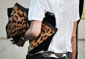 bag,leopard print,clutch