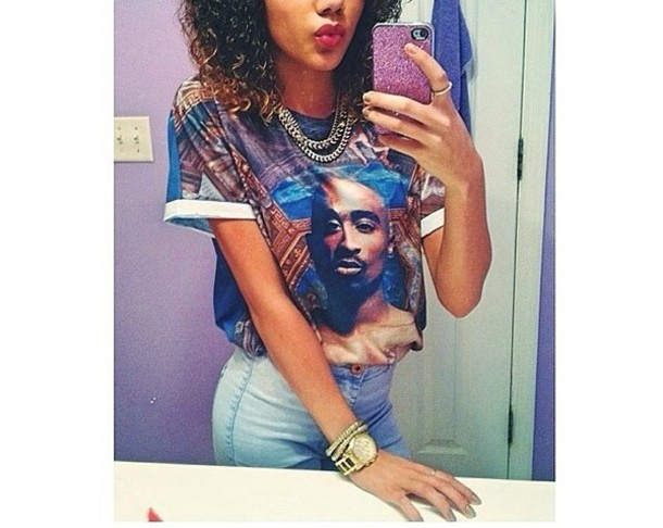 t shirt high waisted jeans tupac shirt cute fly. Black Bedroom Furniture Sets. Home Design Ideas