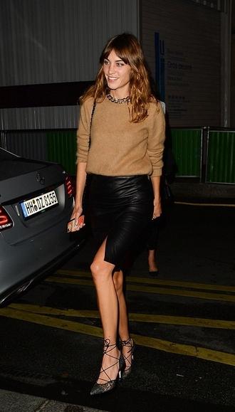 skirt leather skirt fashion week 2014 streetstyle alexa chung camel