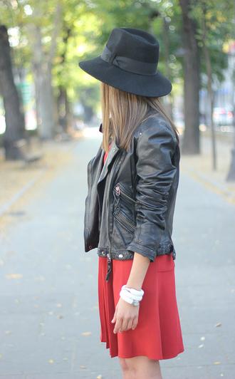jacket perfecto jewels blogger besugarandspice red dress