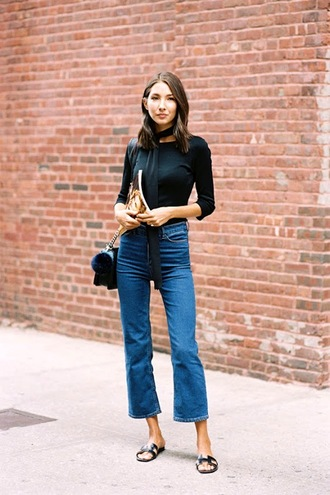 le fashion image blogger scarf t-shirt bag jeans
