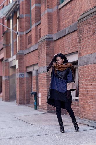 von vogue blogger scarf multicolor black boots black jeans skinny jeans