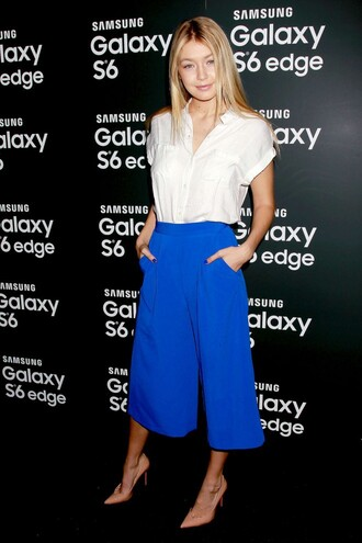 shoes pumps pants croped pants blouse gigi hadid