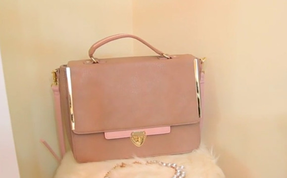 baby pink light pink fall outfits bag purse nude nude purse must have classy gold accents messenger bag structured structured bag