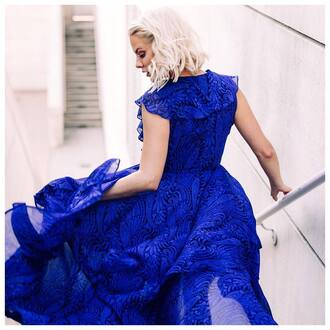 dress tumblr blue dress flowy flowy dress royal blue ruffle ruffle dress sleeveless sleeveless dress blonde hair short hair wedding clothes wedding blue prom dress prom dress