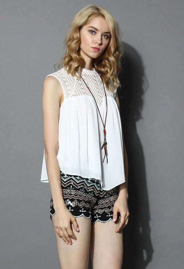 top chicwish sweet heart white top crochet detail