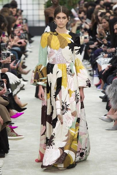 dress floral floral dress maxi dress kaia gerber model runway fashion week paris fashion week 2018 Valentino