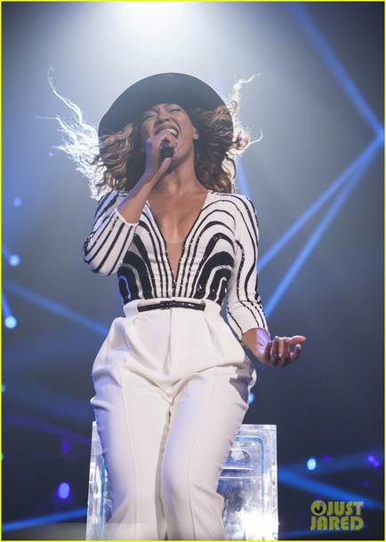 top beyonce black and white stripes pants