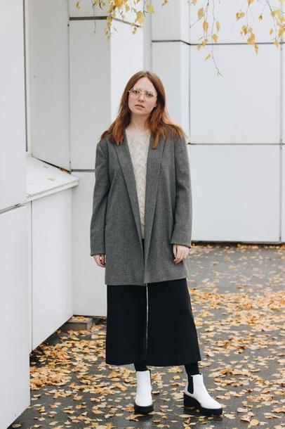 kristina magdalina blogger coat sweater pants shoes
