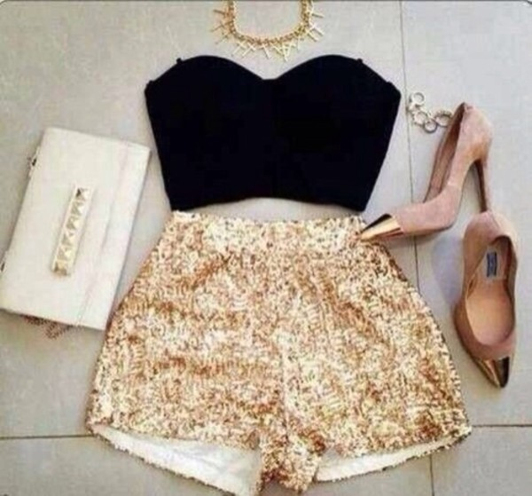 tank top shorts shoes jewels