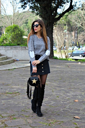 cosamimetto blogger sweater skirt shoes bag jewels elbow patches grey sweater black boots over the knee boots button up skirt spring outfits